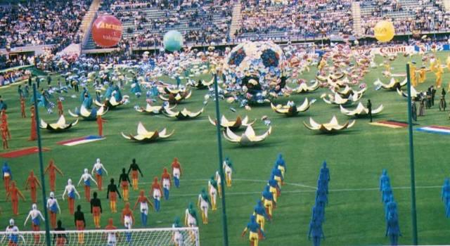 Accadde oggi: il Carnevale di Viareggio inaugura Italia '90
