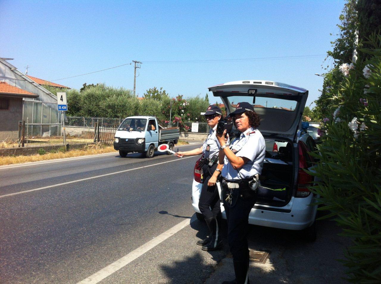 Cinque patenti ritirate a Lido di Camaiore dagli agenti della polizia municipale