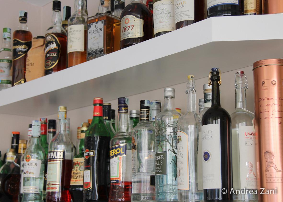 Arrivano i controlli delle forze dell'ordine, Confcommercio ricorda le regole sugli alcolici