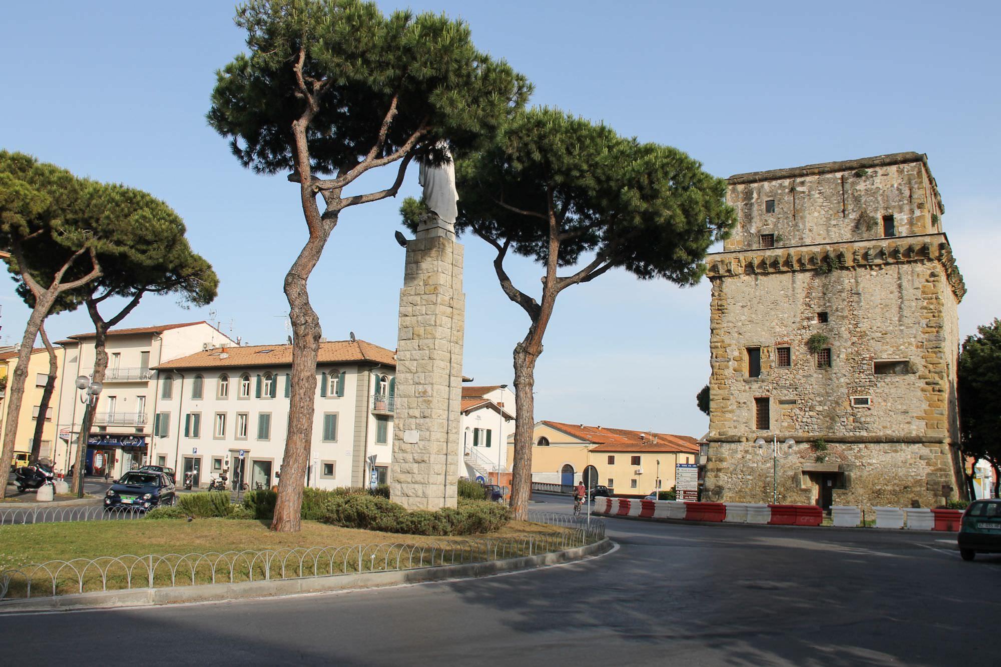 Risultati immagini per torre matilde viareggio