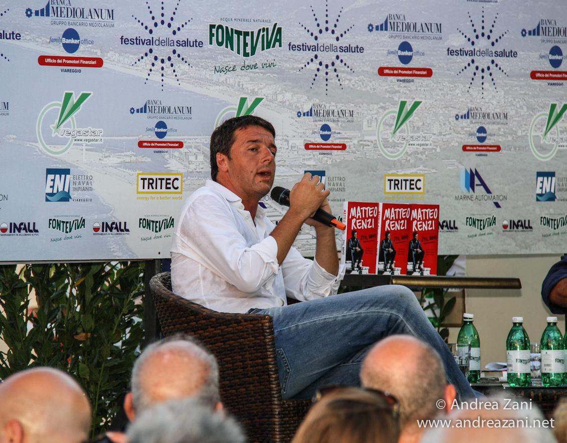 Relax in albergo per Matteo Renzi e intervista per tv toscana