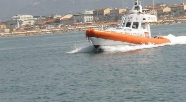 Scontro in mare tra barche, quattro feriti