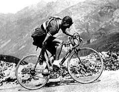 Quando la prima cronosquadre del Giro d'Italia partì da Viareggio