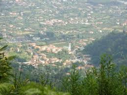 A Strettoia divieto di sosta per mettere in sicurezza il tracciato escursionistico