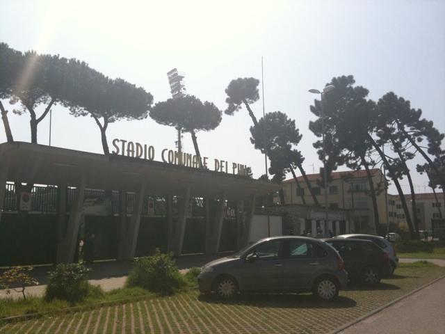 Viareggio, stop alla vendita di alcolici vicino allo stadio per tutto il campionato