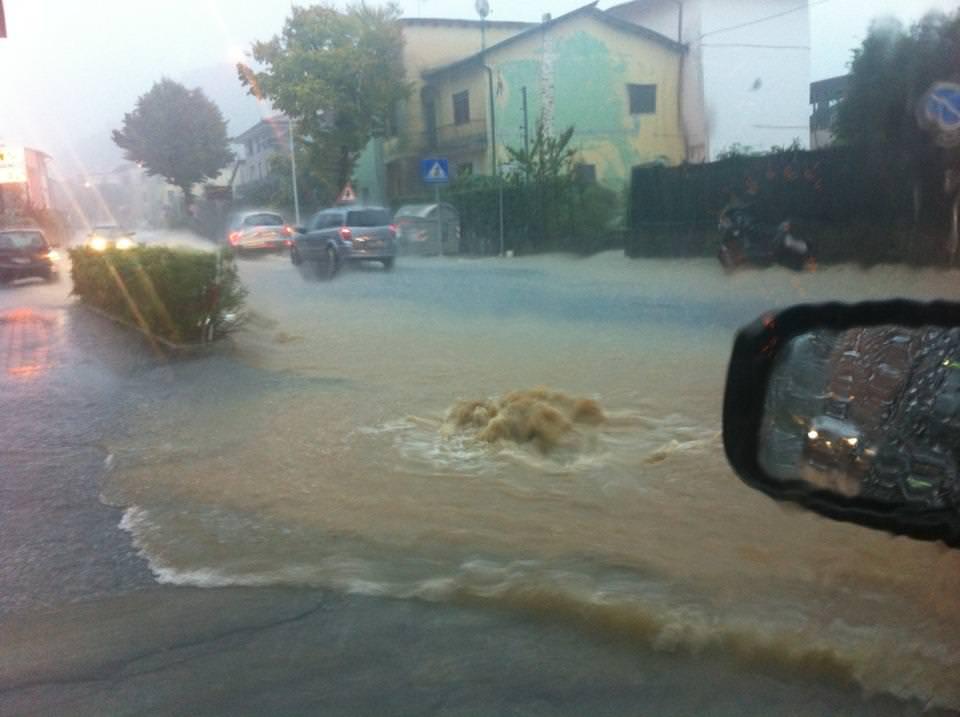 """Alluvione del 21 ottobre, Rossi: """"Un bonus per le famiglie e prestiti per le imprese"""""""
