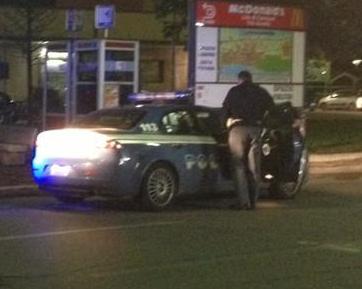 Pineta, inseguimento in bici tra spacciatori e poliziotti. Arrestati due uomini, un terzo denunciato