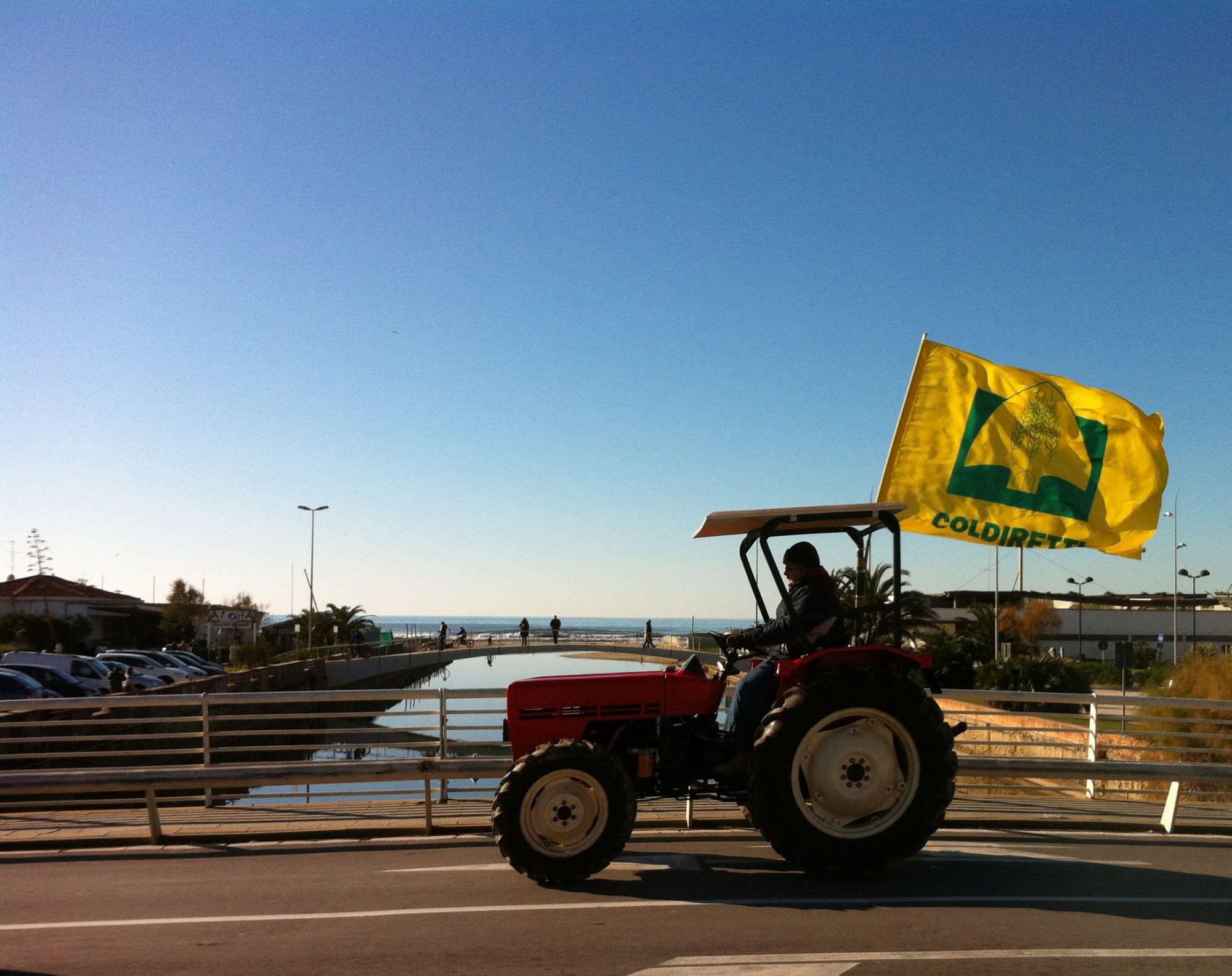 Protesta degli agricoltori in piazza