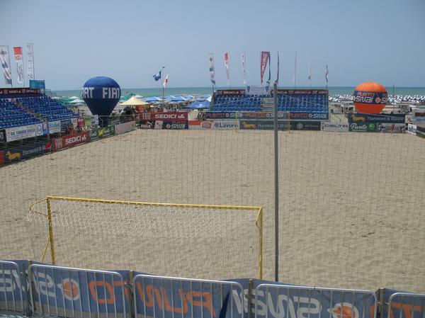 Un convegno sull'attività sportiva in spiaggia
