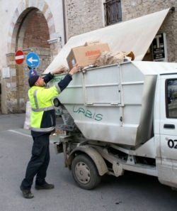 Sciopero della raccolta rifiuti