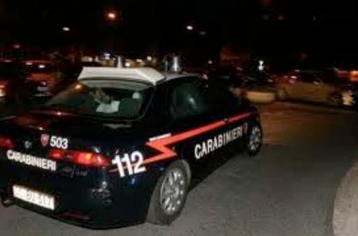 27enne sorpreso a rubare all'interno di un'autovettura, arrestato dai Carabinieri