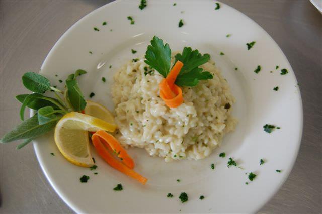 scuola bio piatto mensa ristorante riso