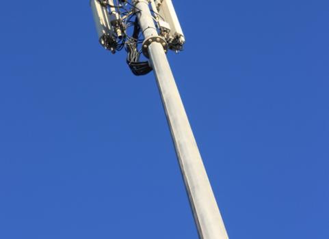 Intervento di sostituzione dell'antenna di telefonia  in via Del Paradiso