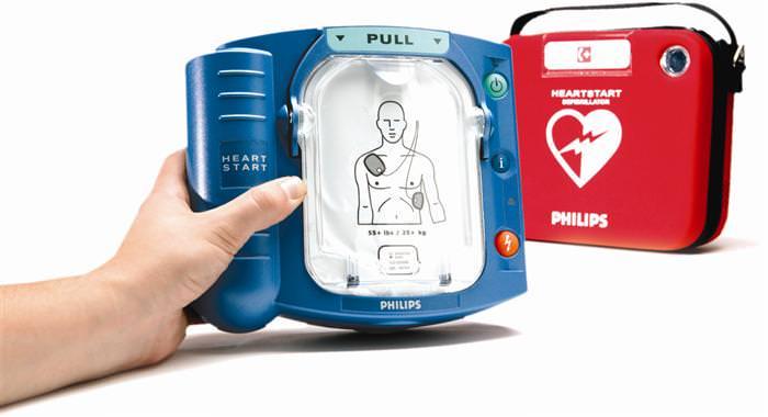 Le Tartarughe Lente e Il Mondo che Vorrei donano un defibrillatore alle scuole del Terminetto