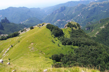 Dispersi sui monti: due ragazzi recuperati dal soccorso alpino in Alta Versilia