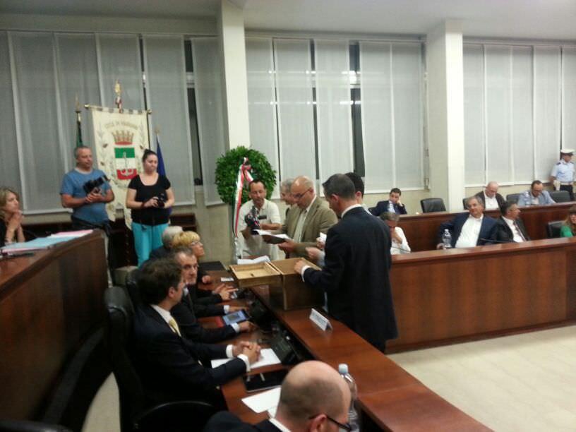 CHIARA ROMANINI PRESIDENTE DEL CONSIGLIO COMUNALE, MA IL PD È SPACCATO