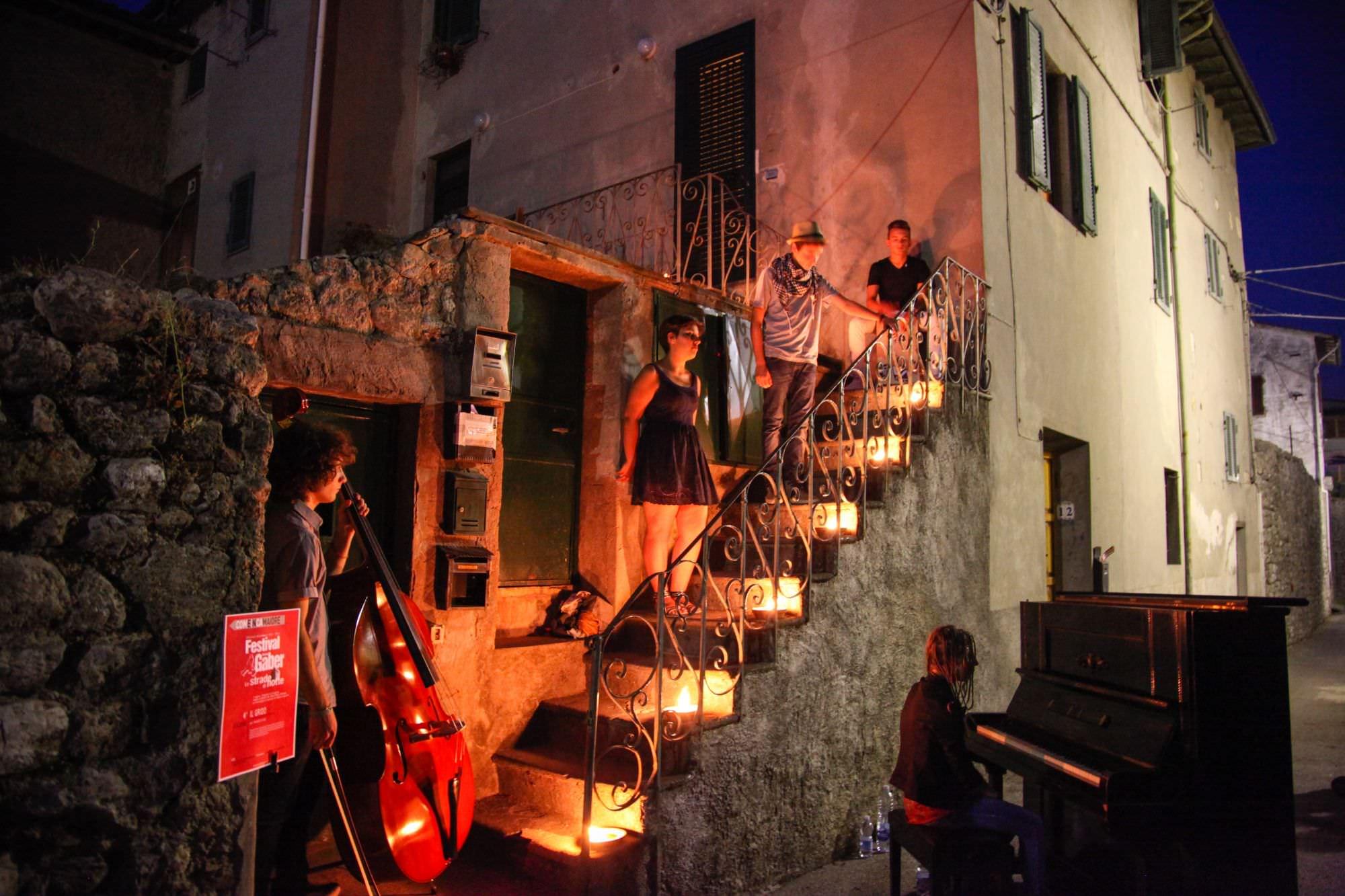 """Festival Gaber a Camaiore, """"Posti a sedere riservati solo alla casta"""""""