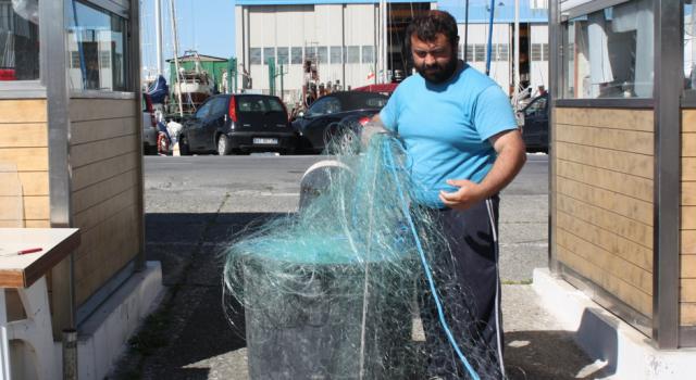 Niente stop al rifornimento di ghiaccio al mercato ittico a Viareggio