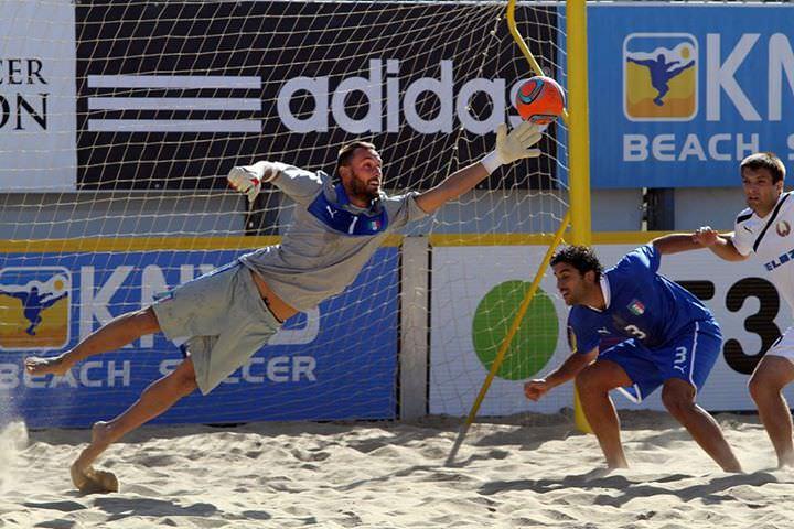 Beach Soccer, Gori e Ramacciotti trascinano l'Italia verso la semifinale di Euroleague