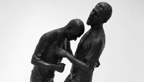 Dopo Pietrasanta arriva a Doha la statua della testata Materazzi-Zidane