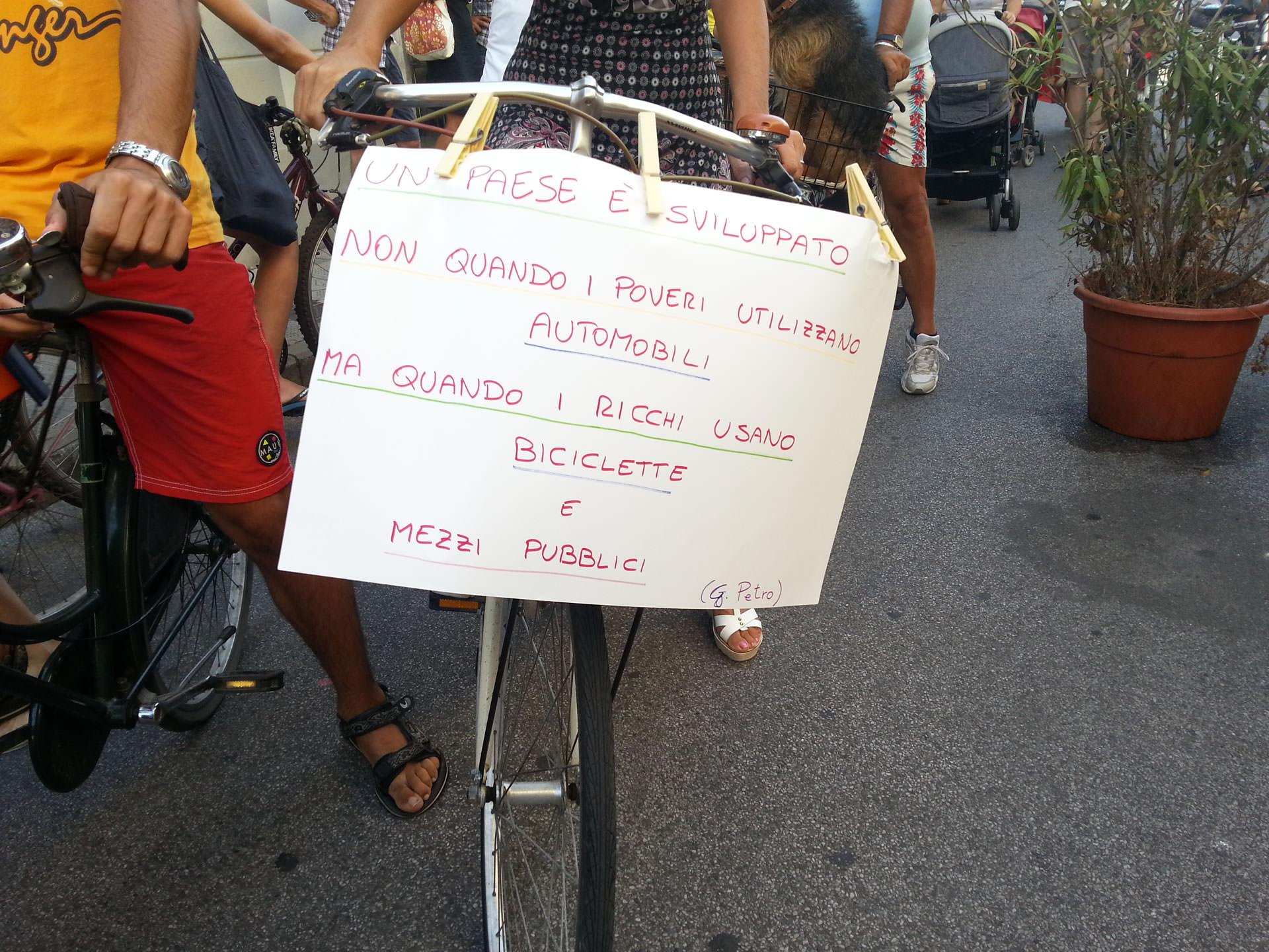 """M5S: """"Il divieto alla bici in via Fratti da togliere entro poco tempo"""""""