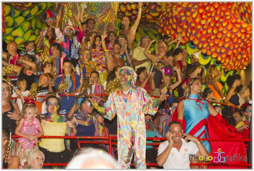 Ennesimo bagno di folla per il Carnevale Estivo: Passeggiata gremita per la vigilia di Ferragosto