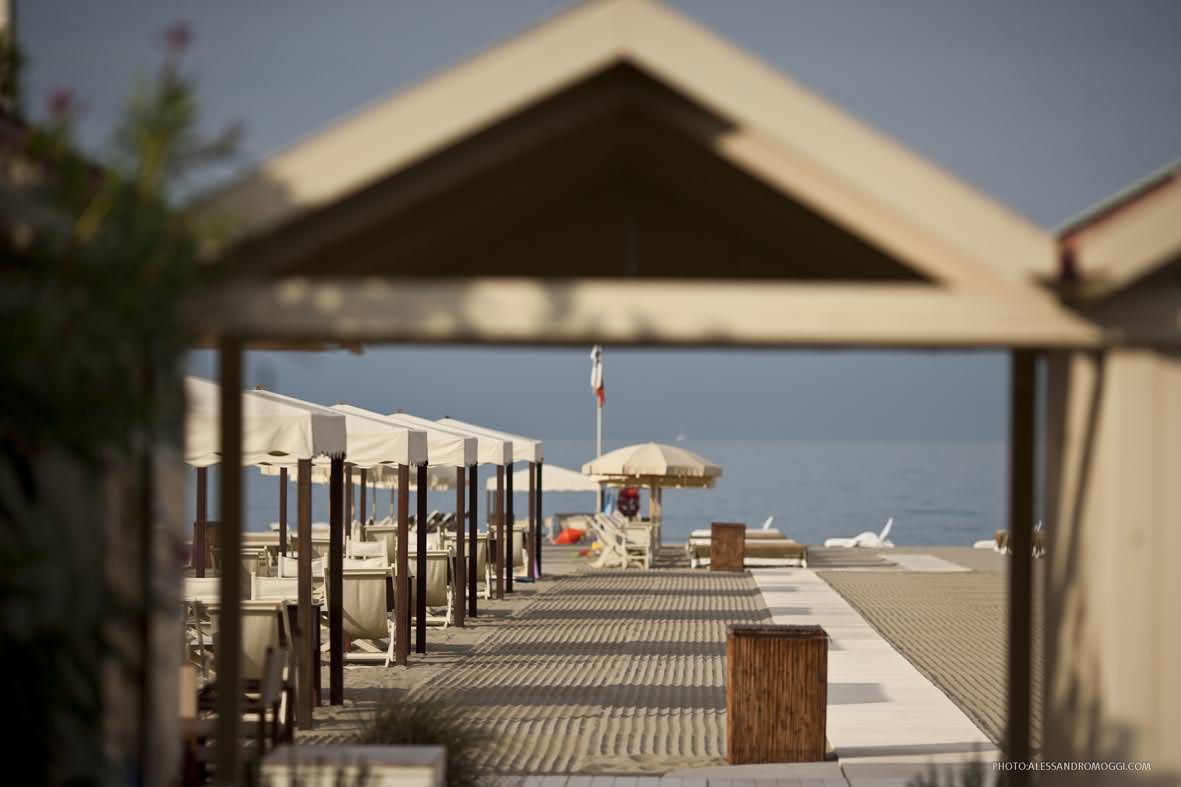 La scadenza della gestione delle spiagge comunali equiparata a quella delle licenze balneari - Bagno bruno forte dei marmi ...