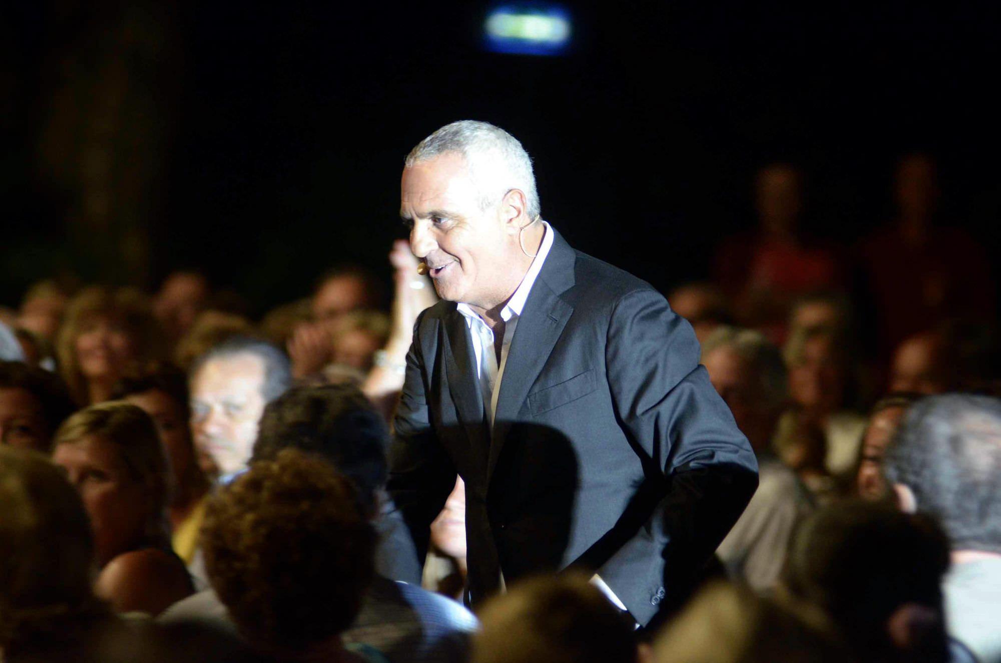 Bagno di folla per Giorgio Panariello alla Versiliana. Tra il pubblico anche Bocelli