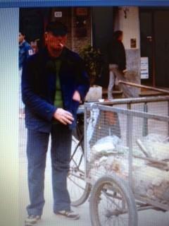 Lutto a Camaiore. È morto Giuliano Ghiselli, storico 'spazzino' del paese