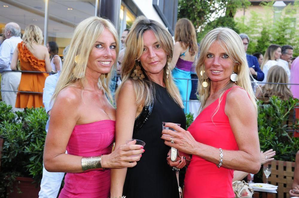 Sfilata di vip a forte dei marmi per la grande festa all 39 hotel principe - Bagno maurizio viareggio ...