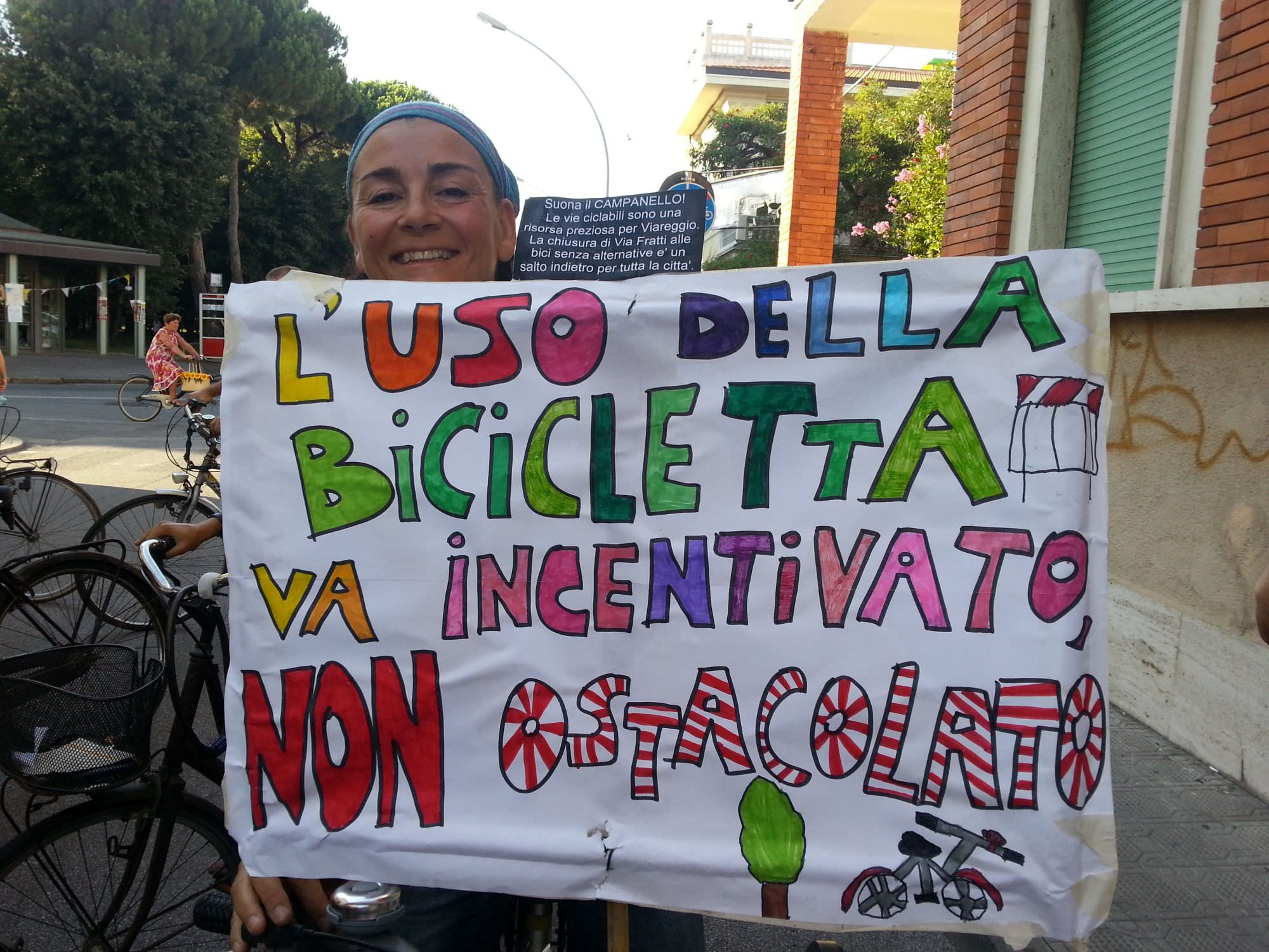 """Il Ministero dà ragione ai ciclisti. """"Le biciclette possono circolare in Via Fratti"""""""