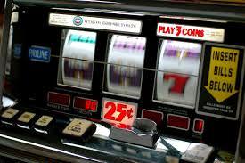 """Forte dei Marmi contro ludopatia e gioco d'azzardo. """"Disciplinati gli orari delle sale giochi e delle slot machine"""""""