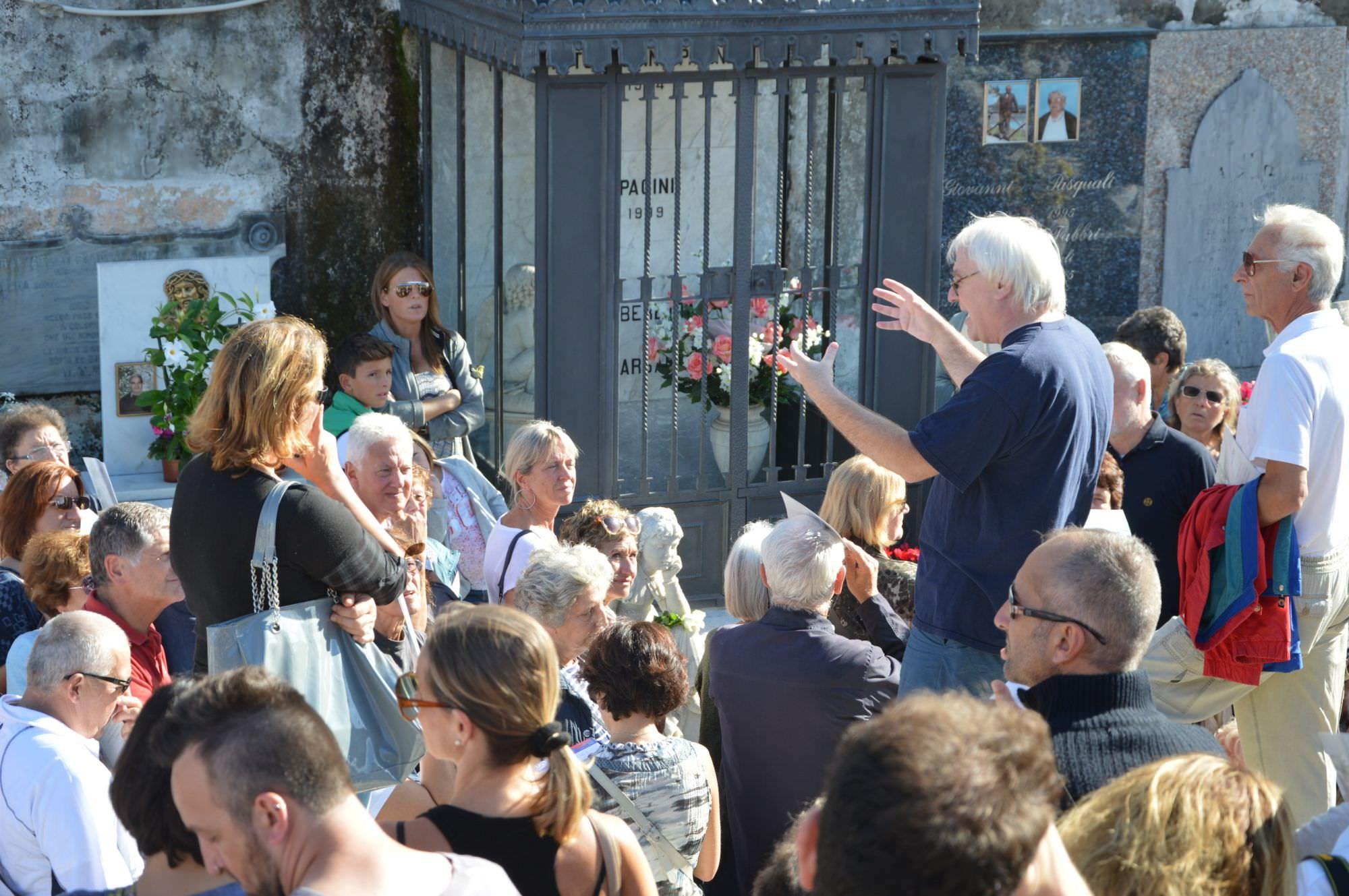"""Successo di pubblico per le celebrazioni del restauro della statua della """"bimba che aspetta"""""""