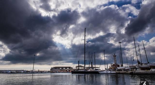 Pescatori viareggini in agitazione per le esercitazioni Nato al porto