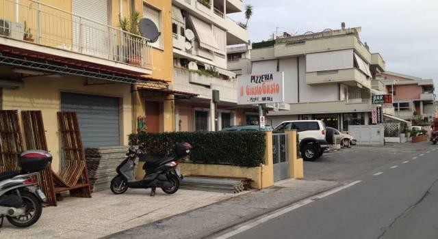 Viareggio: chiudono i negozi, restano i quartieri dormitorio