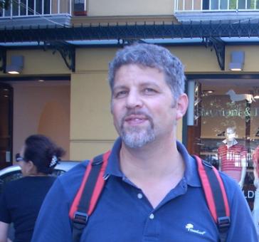 Lutto in Versilia. Muore a 44 anni noto geometra