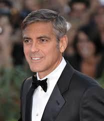 George Clooney in Versilia. Champagne e una bella bionda al Cocoà