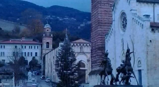 Pietrasanta si prepara all'assalto della vigilia di Natale e di San Silvestro