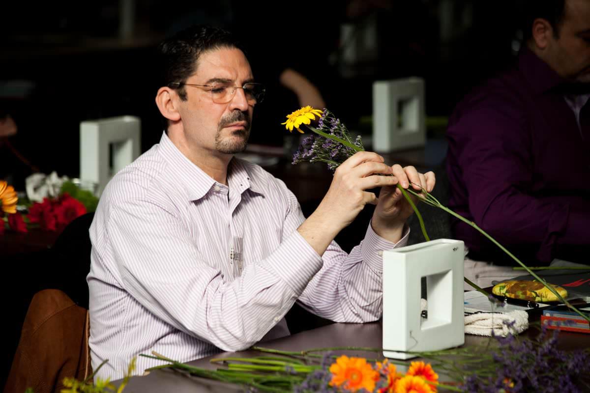 Luca Ramacciotti, il re dell'ikebana è versiliese