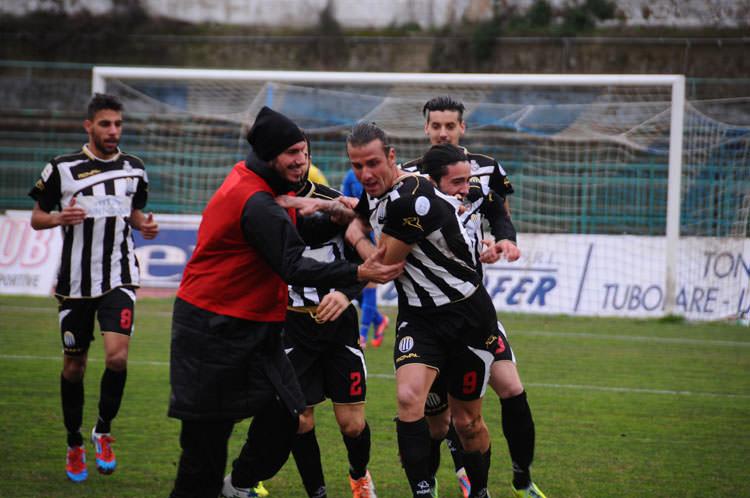 Il Viareggio formato trasferta vince e convince. Tre gol alla Paganese