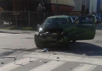 """Ancora un incidente all'incrocio """"maledetto"""" in Darsena: nessun ferito grave"""