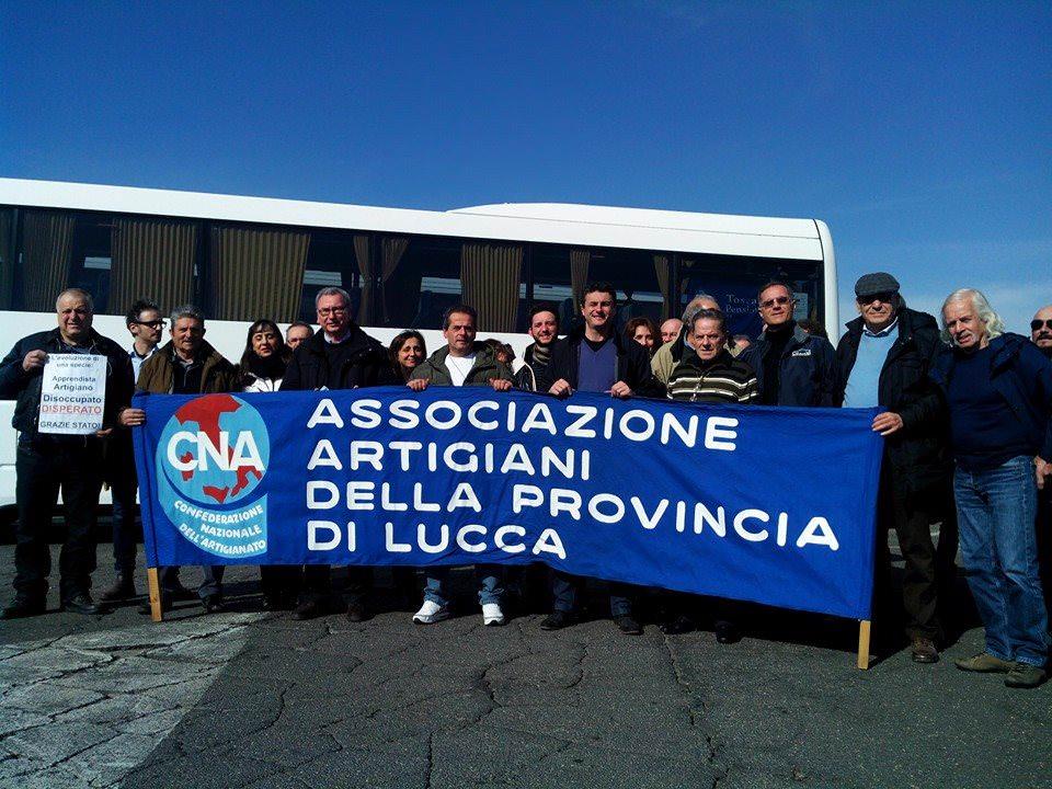Gli artigiani della Cna di Lucca presenti a Roma alla mobilitazione generale delle imprese