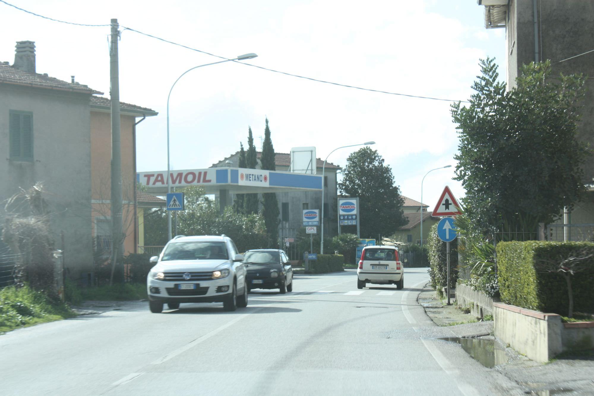 Niente più tir sulla Sarzanese a Piano del Quercione