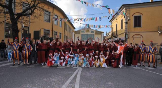 Carnevale a Pietrasanta. La fotogallery del primo corso