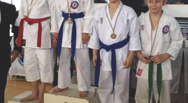 Pioggia di medaglie per la Yoseikan al Trofeo Carnevale di Karate