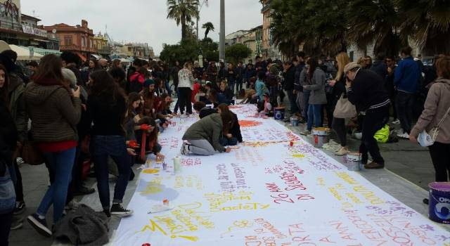 """Realizzato il """"telo della legalità"""" per la Giornata della Memoria delle vittime della mafia"""