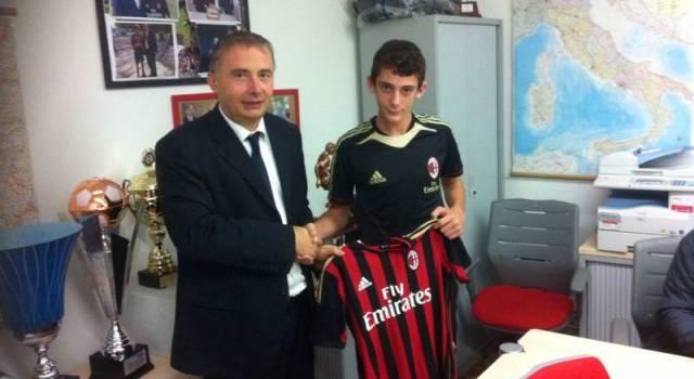 Alessio Bianchi spicca il volo: il centrocampista del Capezzano giocherà nel Milan