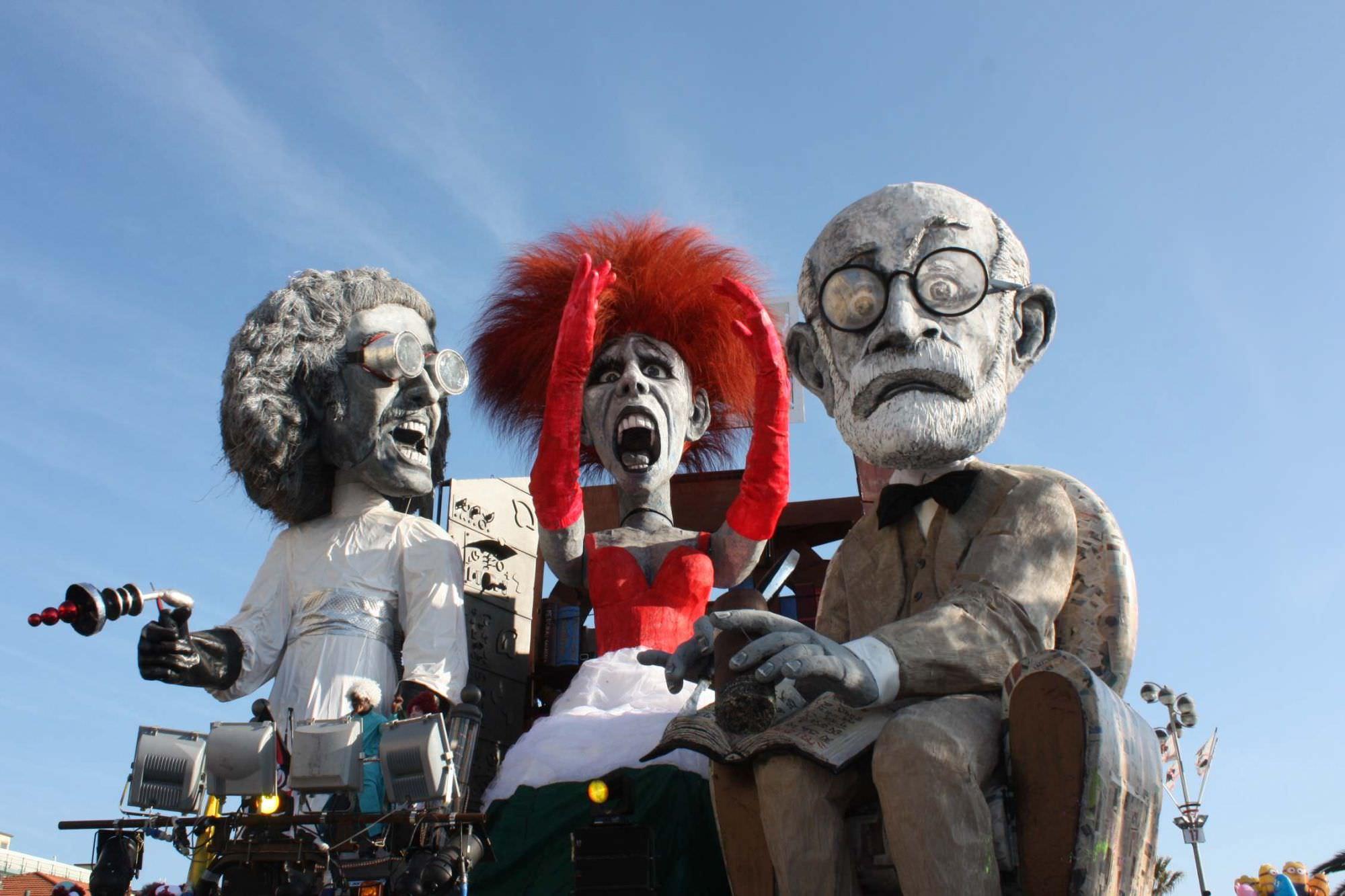 """Carnevale di Viareggio, la rabbia degli sconfitti: """"Basta con questa sudditanza psicologica"""""""