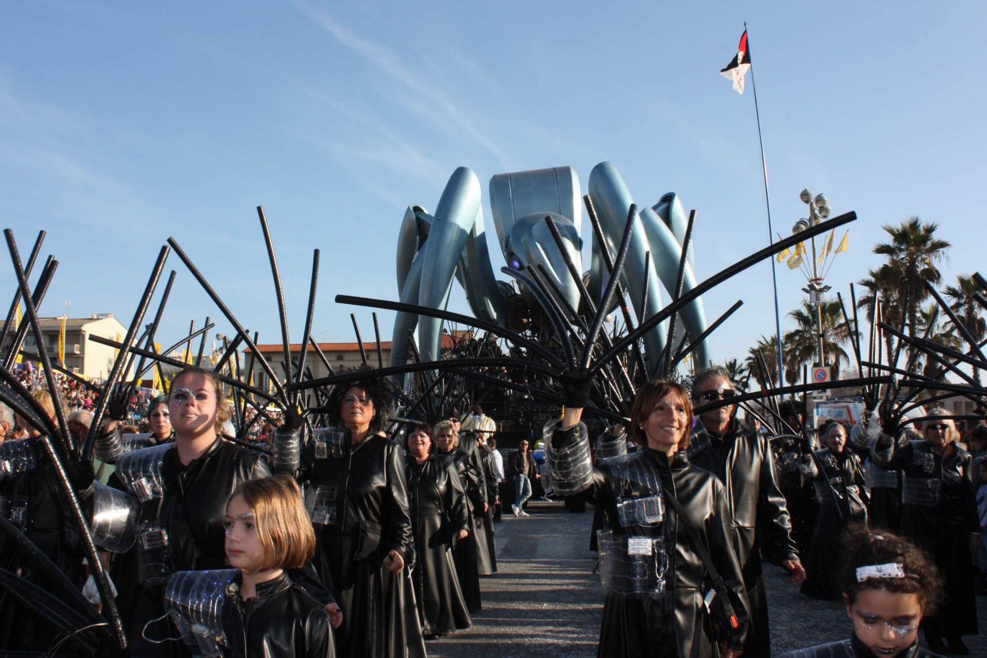 """""""Dalla Regione servono più sforzi per scongiurare il ridimensionamento del Carnevale"""""""