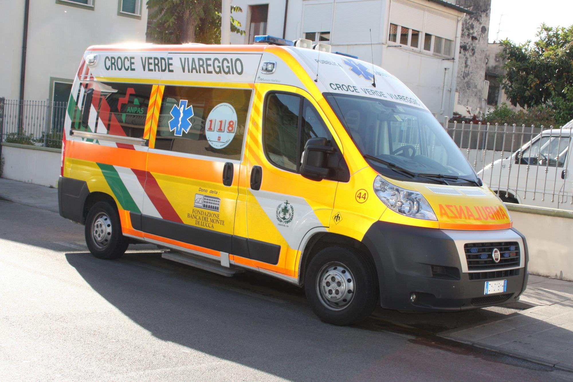 """Coronavirus, la preoccupazione della presidente della Croce Verde di Viareggio: """"La Asl ci informi su come tutelare i volontari sulle ambulanze"""""""